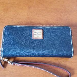 Dooney & Bourke Double Zip Wristlet/Wallet